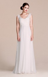 Chiffon Lace Bodice V-Neckline Sleeveless Dress