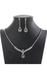 Unique Bridal Rhinestone Design Necklace and Earrings Jewelry Set
