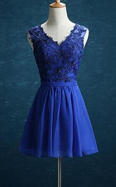 V-neck Sleeveless short Chiffon A-line Dress With Appliques And Keyhole