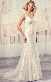 Sleeveless Lace Tulle long Wedding Dress With Appliques And Deep-V Back