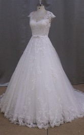 Cap-Sleeve Appliqued V-Neckline Vintage Wedding A-Line Gown