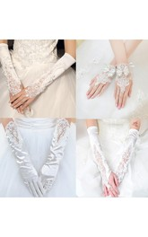 Korean Spring And Autumn Lace Flower Diamond Exposed Finger White Gloves