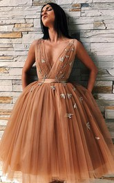 Plunging Neckline Knee-length Ball Gown Backless Straps Homecoming Dress with Appliques