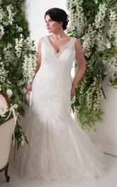 Plunged Lace Sleeveless Mermaid plus size wedding dress With Beading