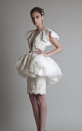 Short Sleeve Sheath Knee-length Jewel Appliques Ruffles Peplum Organza Lace Homecoming Dress
