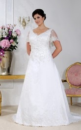 Poet-sleeve A-line Satin plus size wedding dress With Appliques And Low-V Back