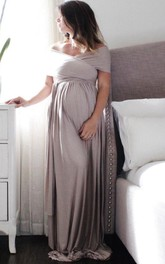 Off-the-shoulder Sheath maternity Dress With Sweep Train