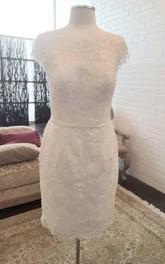 Short Low-V Back Pencil Column Lace Dress