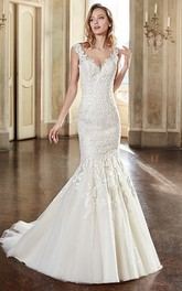 V-neck Sleeveless Lace Mermaid Dress With Illusion And Court Train