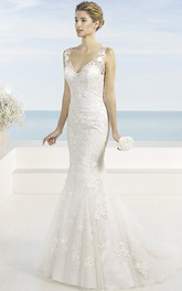 V-neck Sleeveless Lace Trumpet Wedding Dress With Illusion And Appliques