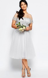 Tea-Length Appliqued Short Sleeve Scoop Neck Tulle Bridesmaid Dress