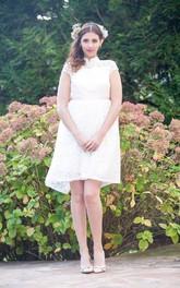 Long-Train Satin Backless Short Bridal Lace Dress