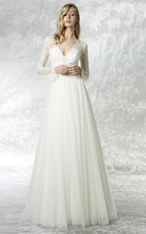 A-line V-neck Long puff sleeve Tulle Dress With Lace And sweep train