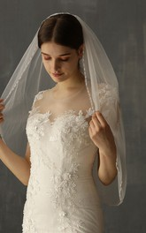 Chic White Tulle Elbow Veil with Beads