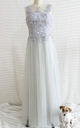 Scoop-neck Sleeveless Tulle long Bridesmaid Dress With Appliqued top