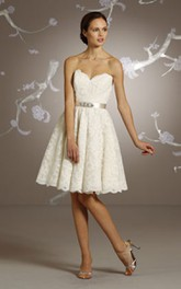 Lace Scalloped Hem Sweetheart-Neck Demure Dress