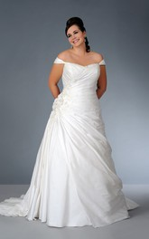 Off-the-shoulder Satin side-draped plus size wedding dress With Flower And Beading