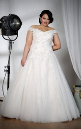 Off-the-shoulder A-line Tulle Ball Gown Dress With Appliques And Corset Back