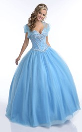 Sweetheart Tulle Ball Gown Quinceanera Dress With Beading And cape