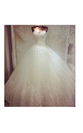 Gorgeous Sweetheart Pleated Lace Ball Gown With Court Train