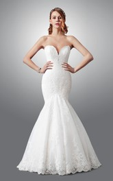 Sweetheart notched Mermaid Lace Wedding Dress With Court Train