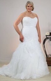 Sweetheart Mermaid Tulle Ruffled plus size wedding dress With Appliques