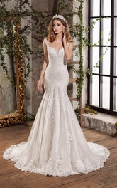 Luxury Lace Notched Floor Length Wedding Dress with Chapel Train