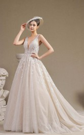 Vintage V-neck Plunging Keyhole Sleeveless Ballgown Wedding Dress With Lace Appliques And Ruching