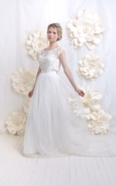 Scoop-neck Cap-sleeve Tulle Wedding Dress With Lace top And bow