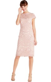 Bateau Short Sleeve Lace Knee-length Dress With Zipper