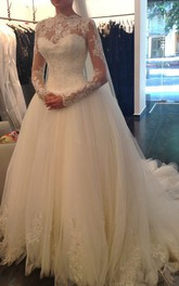 A-Line Short High Neck Sweetheart Long Sleeve Bell Poet Pleats Beading Appliques Court Train Backless Tulle Lace Dress