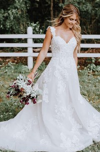 Romantic Sleeveless Lace and Tulle A Line Straps Floor-length Sweep Train Wedding Dress with Appliques