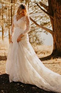 Elegant Country Style Plus Size Lace V-neck A-line Illusion 3/4 Sleeve Court-train Wedding Dress