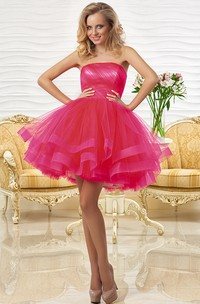 A Tulle Sleeveless Tiered Line Strapless Short Ruched Mini Dress