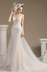 Lace Illusion Sleeveless Plunging Mermaid Open Back Wedding Dress With Appliques And Chapel Train