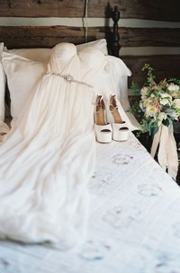 Off-the-shoulder Chiffon Cap Short Sleeve Wedding Dress