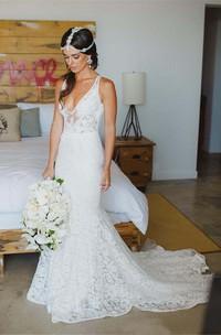 V-neck Lace  Sleeveless Wedding Dress