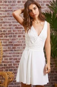 Casual Sexy Sleeveless A Line Chiffon Lace V-neck Backless Wedding Dress