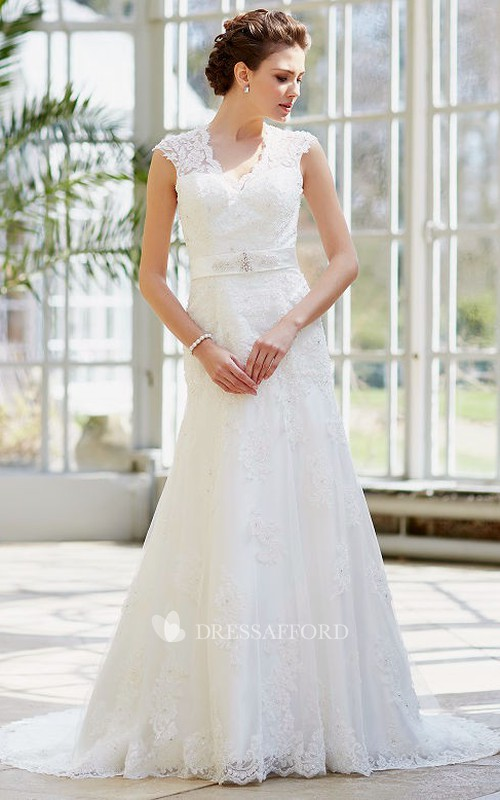 Lace Cap-sleeve Sheath Wedding Dress With Appliques And Keyhole
