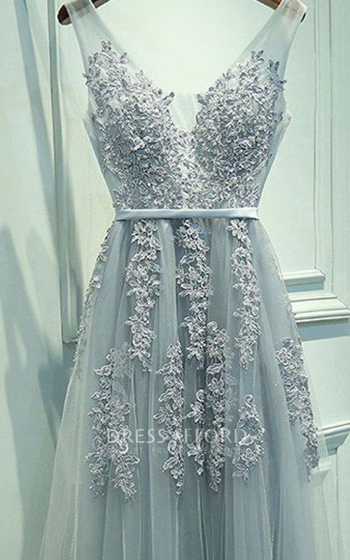 V-neck Lace Tulle Sleeveless Floor-length Appliques Sash Ribbon Dress