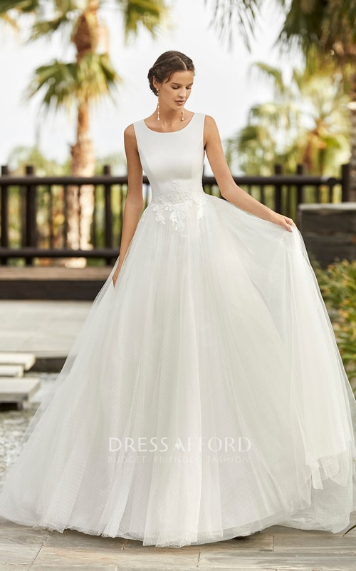 Scoop Neckline Sleeveless Ballgown Tulle Wedding Dress With Lace Appliques And Deep V-back