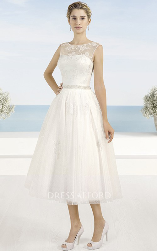 Scoop-neck Sleeveless Tea-length Tulle Wedding Dress With Lace And Beading