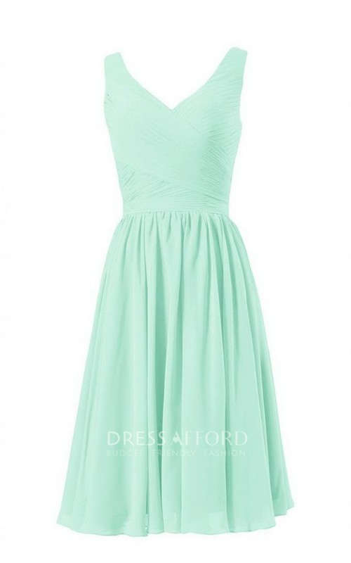 V-neck Sleeveless Chiffon short Bridesmaid Dress With Criss cross