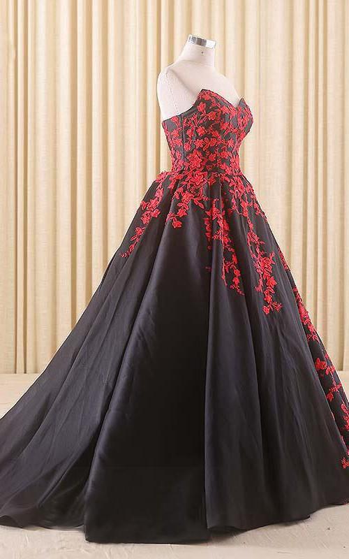 A-Line Satin Sweetheart Appliqued Corset Chapel-Train Lace Dress