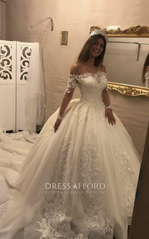 Luxury Off-the-shoulder Illusion Long Sleeve Lace Ballgown Wedding Dress With Keyhole Back