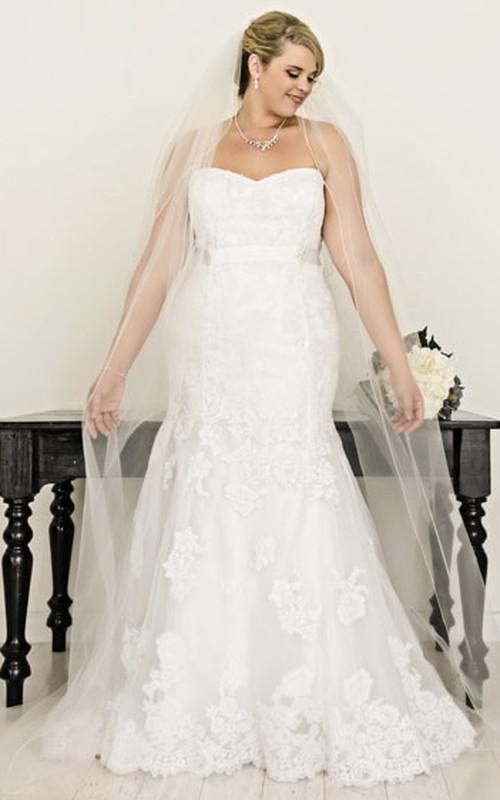Strapless Mermaid Appliqued plus size wedding dress