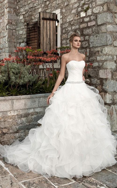 Sleeveless Ruffled A-line Organza Wedding Dress With Ruching