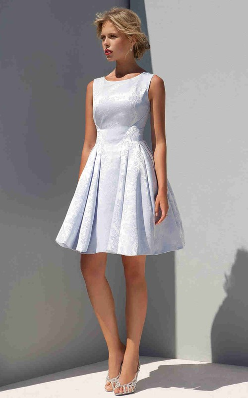 short Scoop-neck Sleeveless Dress With Lace And Pleats