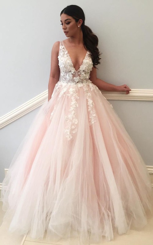 V-neck Lace Tulle Sleeveless Floor-length Appliques Flower(s) Pleats Embroidery Dress