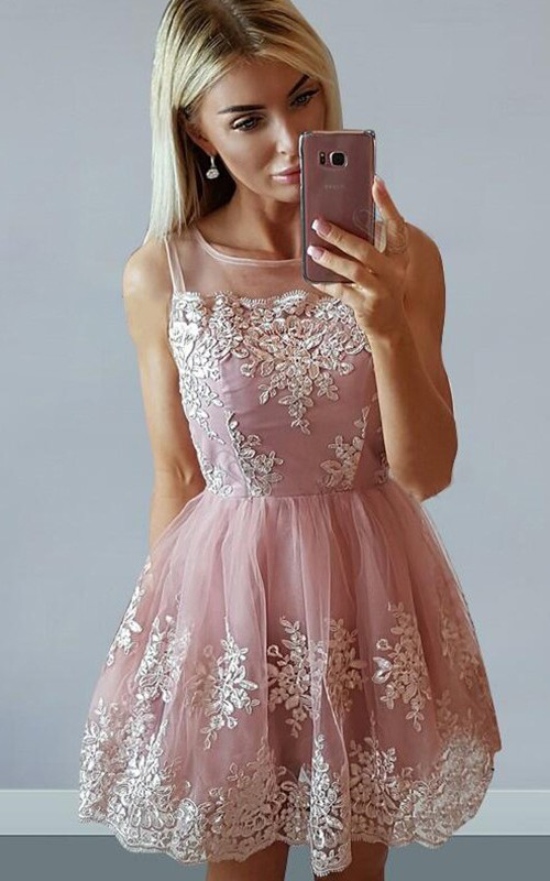 Sleeveless A-line Short Mini Bateau Appliques Pleats Ruching Lace Homecoming Dress